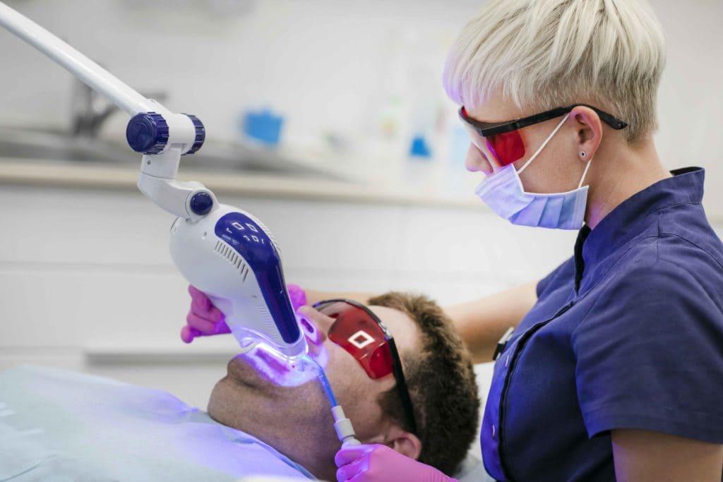 wybielanie zębów olsztyn