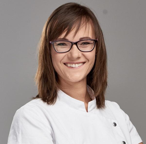 Monika Deręgowska stomatolog